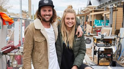 <strong>2017:&nbsp;Elyse Knowles and Josh Barker</strong>