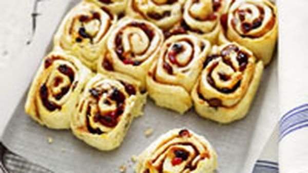 Spiced fruit pinwheels