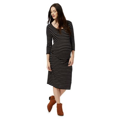"<a href=""http://www.debenhams.com/webapp/wcs/stores/servlet/prod_55555_10001_103030891560_-1002"" target=""_blank"" draggable=""false"">Red Herring Maternity Striped Dress, $43.20.</a>"