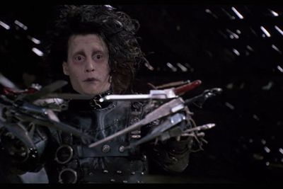 The most memorable pair of hands in cinema! Johnny Depp's character Edward intrigues and terrifies the inhabitants of an insular suburban neighbourhood with his razor-sharp scissor hands in Tim Burton's cult classic film.