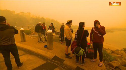 Seventeen missing, one dead after destructive bushfires in Victoria, Australia