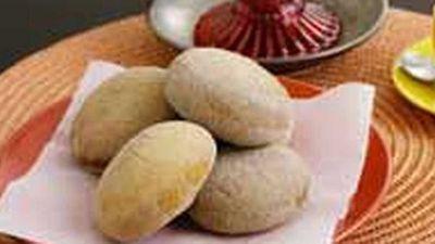<strong>Bunuelos (Mexican doughnuts)</strong>