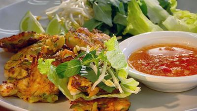 "Recipe: <a href=""http://kitchen.nine.com.au/2016/05/17/12/52/hanoi-prawn-cakes"" target=""_top"">Hanoi prawn cakes</a>"