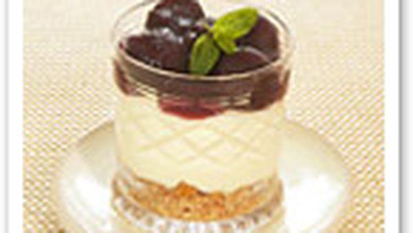 Quick cherry cheesecakes