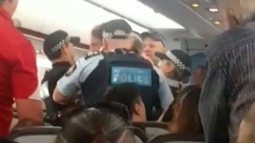 Man 'assaults police' before Sydney to Melbourne Jetstar flight