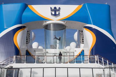 <strong>iFly - International Ovation of the Seas </strong>