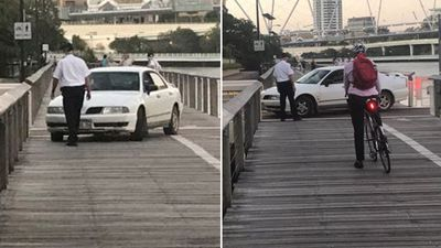 'Drunk, unlicensed' driver parks car on boardwalk