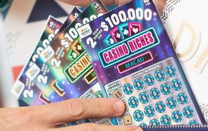 Cronulla mum wins scratchie lotto prize on Mother's Day