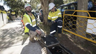 NBN start a 'corporate train wreck': PM