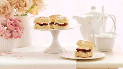 "<a href=""http://kitchen.nine.com.au/2016/05/16/12/06/vanilla-bean-scones"" target=""_top"">Vanilla bean scones</a> recipe"