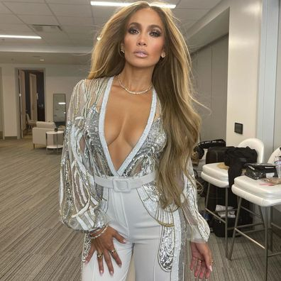Jennifer Lopez, selfie, backstage, VaxLive