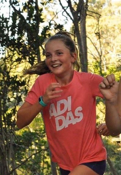 Kellie Postle and Alyssa running