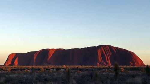 Japanese tourist dies climbing Uluru