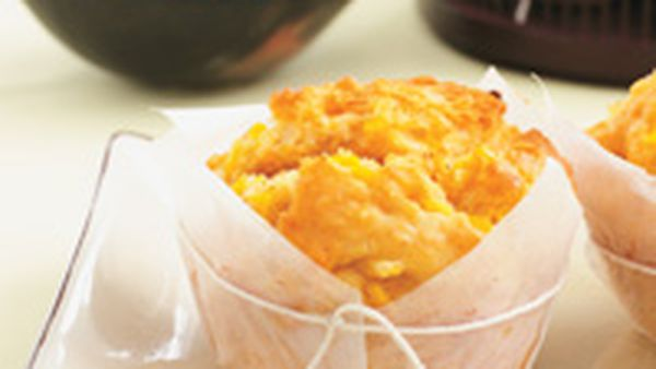 Corn and paprika muffins
