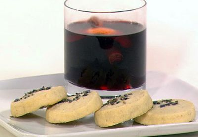 Mulled wine and lavender shortbread