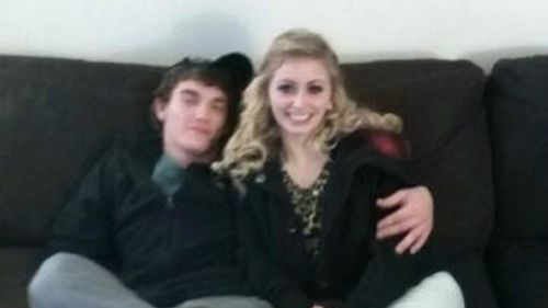 Dalton Hayes and Cheyenne Phillips are on the run after a cross-state crime spree in the US. (AAP)