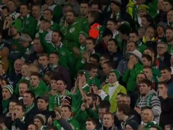 Disrespectful fans disrupt minute of seilence