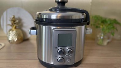 Sunbeam slow cooker and pressure cooker