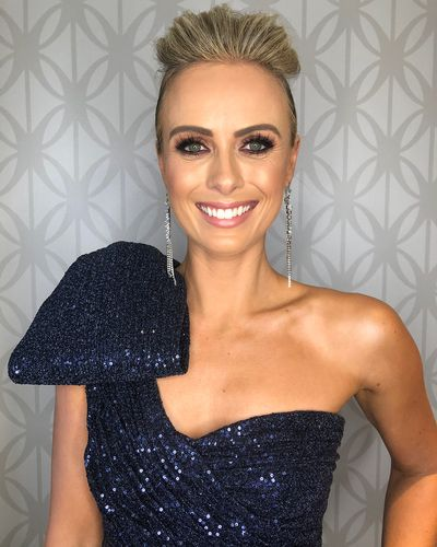 """The crème de la crème of the Australian entertainment industry are putting their best Manolo Blahnik-shod foot forward and stepping into red carpet territory with <a href=""""https://style.nine.com.au/2018/07/01/14/39/logies-2018-stars-getting-ready-makeup-glamour-style"""" target=""""_blank"""" draggable=""""false"""">this year's Logie Awards.<br> </a><a href=""""https://style.nine.com.au/2018/06/29/17/42/logies-2018-red-carpet"""" target=""""_blank"""" draggable=""""false""""><br> While the A-list played dress-ups for the paparazzi </a>at the Star Hotel in the Gold Coast, we zoned in on the Gold Logie-worthy beauty looks.<br> <br> Clad in a bedazzling, navy gown from Rebecca Vallance, Nine's Sylvia Jeffreys proved that no red-carpet attire is complete without a sexy smokey eye, perfect brows and a smouldering nude lip.<br> <br> In the hair department, the <em>Today</em> news presenter went for a sleek updo with an elegant and romantic coil at the back that made her the ultimate red-carpet beauty queen.<br> <br> Jeffreyswasn't the only winner in the beauty stakes. Leila McKinnon and and  all impressed with makeup looks that packed a serious punch.<br> <br> Click through to see the best beauty looks from the 2018 Logie Awards."""