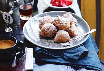 Zeppole (Italian doughnuts)