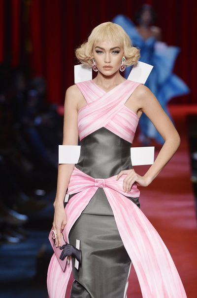 "<p><strong>9. Paper Doll</strong></p> <p>The Moschino collection caused controversy with its <a href=""http://honey.nine.com.au/2016/10/12/05/47/moschino-pills-banned-jeremy-scott-rihanna"" target=""_blank"">drug references</a>, but it's the paper doll styling that makes it a great back up plan for Halloween. Just add giant<em></em> white tags to any outfit to be right on trend while bobbing for apples.</p>"