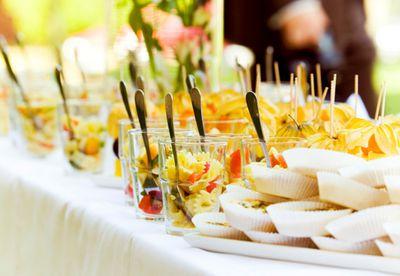 6.Garden party
