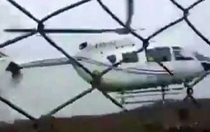 Bolivian president in hard helicopter landing in front of crowd