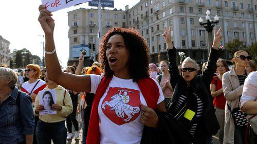 Ten thousand women march to demand that Belarus president resign