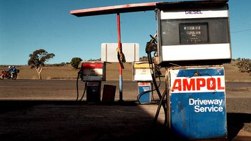 Photo of an Ampol petrol pump in Australia's rural outback.
