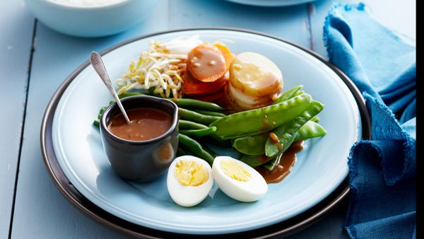 Steamed vegetable gado gado