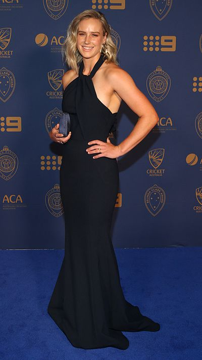 Women's cricket player Ellyse Perry is a favourite for the Belinda Clark Award.