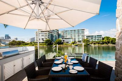 <strong>Waterfront Home, Broadbeach, Queensland</strong>