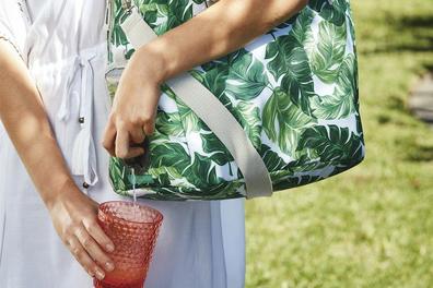 Aldi wine cooler bag with wine dispenser