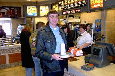 Bloke eats his 32,000th Big Mac, makes history