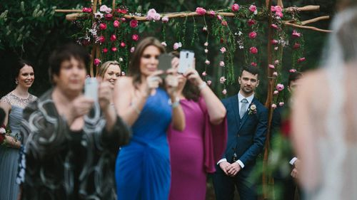 Wedding photographer tells guests to put phones away in angry Facebook post