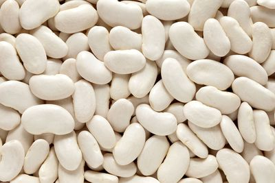 Half a cup of cooked lima beans aka butter beans (94g): 6.6g fibre