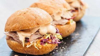 "<a href=""http://kitchen.nine.com.au/2016/11/02/15/23/pulled-pork-slider-with-mexican-cipotle-mayonnaise"" target=""_top"">Pulled pork slider with Mexican chipotle mayonnaise</a>"