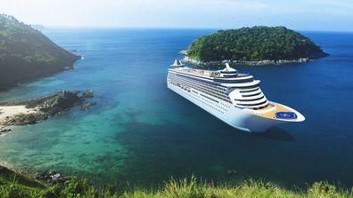 Cruise next to beach
