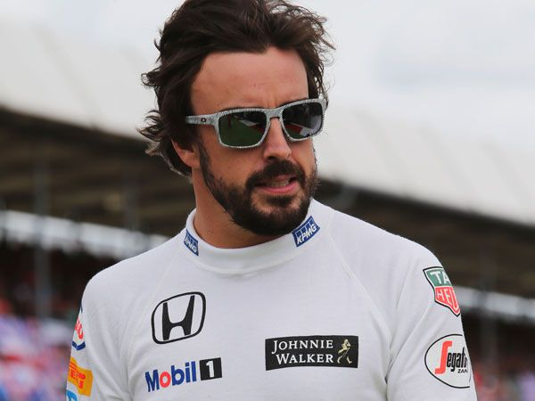 Alonso returns to the winner's circle