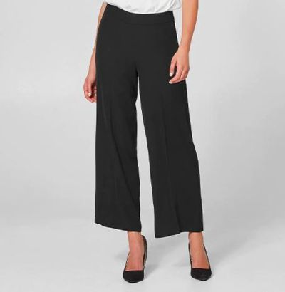 "<a href=""https://www.target.com.au/p/wide-leg-ankle-grazer-pants/P60946546"" target=""_blank"" draggable=""false"">Wide Leg Ankle Grazer Pants</a>, $39"