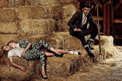 Ireland Baldwin and Gigi Hadid have swapped the catwalk for hay bales… all in the name of fashion, of course. <br/><br/>The young Hollywood models turned up the heat on their recent shoot for SISLEY jeans, even getting a male model in on the action.  <br/><br/>Click through to see more photos from the racy farm shoot. <br/><br/>Images: SISLEY <br/>