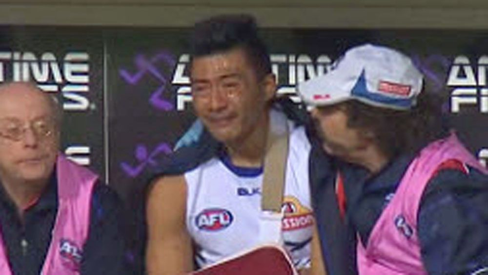 Bulldog Jong in tears after injury