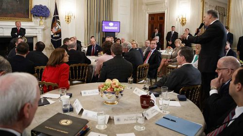 Governor Jay Inslee speaks to Donald Trump at a meeting at the White House. (AAP)