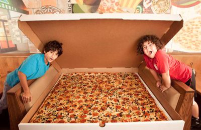 Largest pizza commercially available