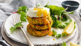 Vegetable fritters with poached egg