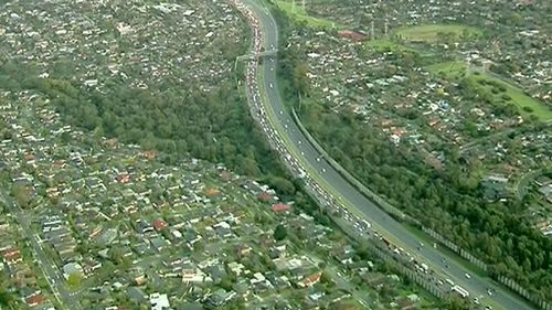 Commuters are advised to avoid the area and take the East Link if they can. (9NEWS)