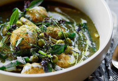 "Recipe: <a href=""/recipes/ifish/8349765/green-curry-with-fish-dumplings"" target=""_top"">Green curry with fish dumplings</a>"