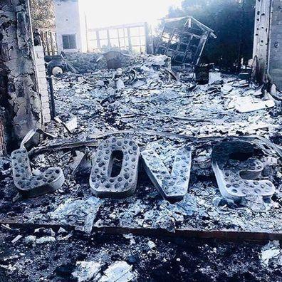 Miley Cyrus, Liam Hemsworth, fire, malibu, home