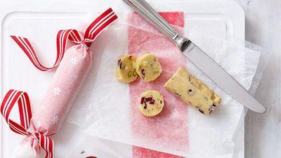 "<a href=""http://kitchen.nine.com.au/2016/05/16/14/16/white-christmas-salami"" target=""_top"" draggable=""false"">White Christmas salami</a>"