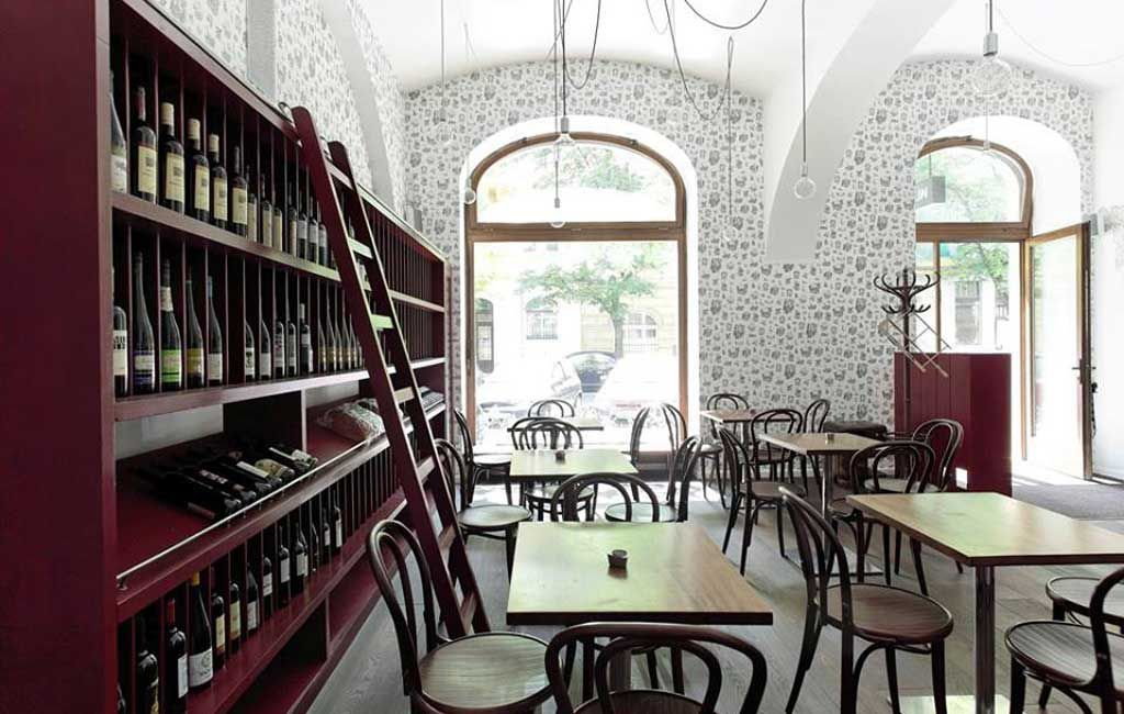 Veltlin, wine bar in Karlin